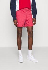 Polo Ralph Lauren - 6-INCH POLO PREPSTER TWILL SHORT - Shorts - chili pepper - 0
