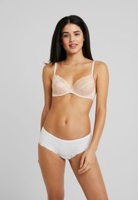 Esprit - MACKAY UNDERWIRE - Underwired bra - pastel orange - 1