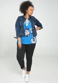 Paprika - Print T-shirt - blue bic - 1