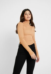 Missguided Petite - ROLL NECK BODY - Long sleeved top - camel - 3