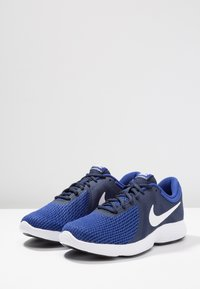 Nike Performance - REVOLUTION - Zapatillas de trail running - uomu blu - 2