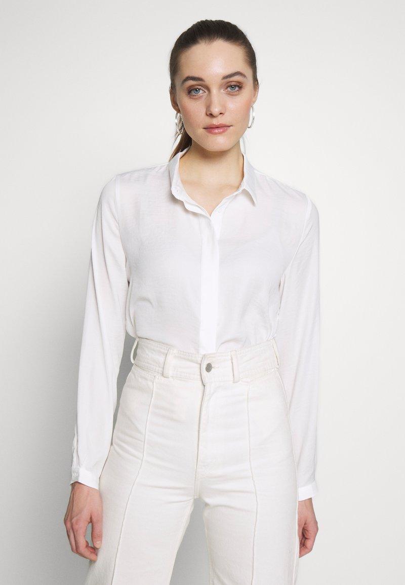 Moss Copenhagen - BLAIR - Button-down blouse - cloud white