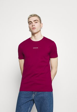 MICRO BRANDING ESSENTIAL TEE - Basic T-shirt - purple