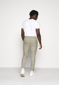 Only & Sons - ONSLINUS CROPPED CHECK PANT - Pantaloni - wind chime - 2