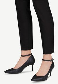 Tamaris - PUMPS - Classic heels - black glam - 1