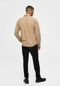 Selected Homme - REGULAR FIT - Overhemd - petrified oak - 2