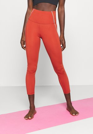 YOGA CORE 7/8 VINT VINYASA - Tights - firewood orange/claystone red