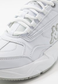 Kappa - SULTAN - Sports shoes - white/grey - 5