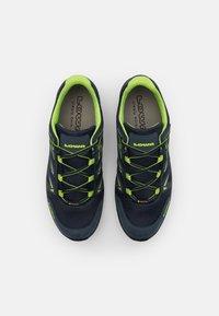 Lowa - INNOX PRO GTX LO LACING UNISEX - Hiking shoes - stahlblau/limone - 3