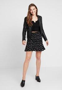Fashion Union - BOYZIE - Mini skirt - black - 1