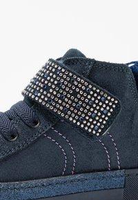 Primigi - Sneakersy wysokie - notte - 5