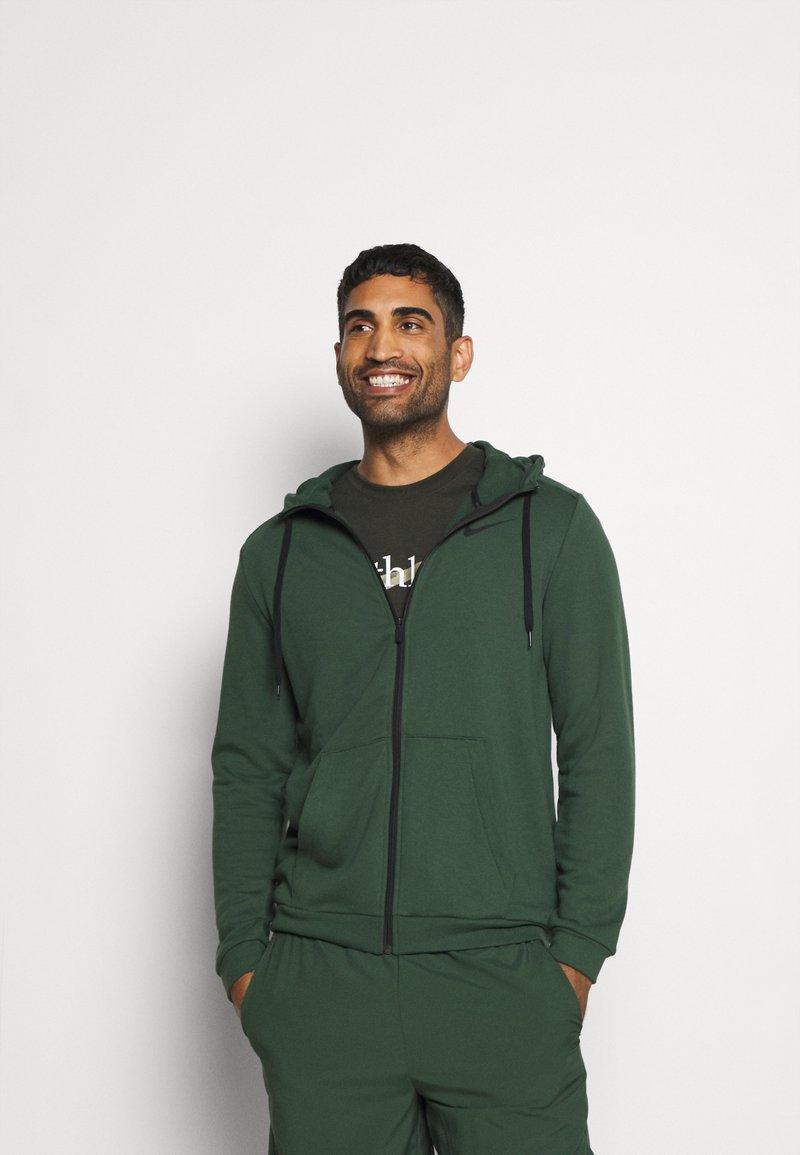 Nike Performance - DRY HOODIE  - Zip-up hoodie - galactic jade/black