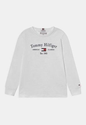 ARTWORK TEE UNISEX - Topper langermet - white