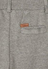 Name it - GEMUSTERTE - Pantaloni eleganti - grey melange - 3