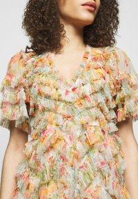 Needle & Thread - SUNSET GARDEN V NECK BALLERINA DRESS - Koktejlové šaty/ šaty na párty - ivory - 4