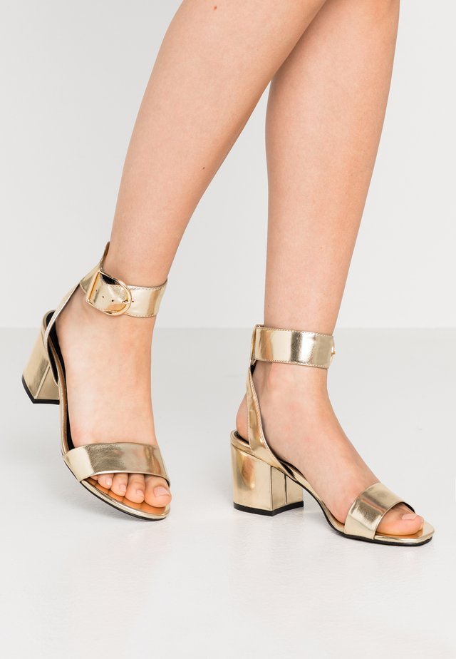 WIDE FIT - Sandals - light gold