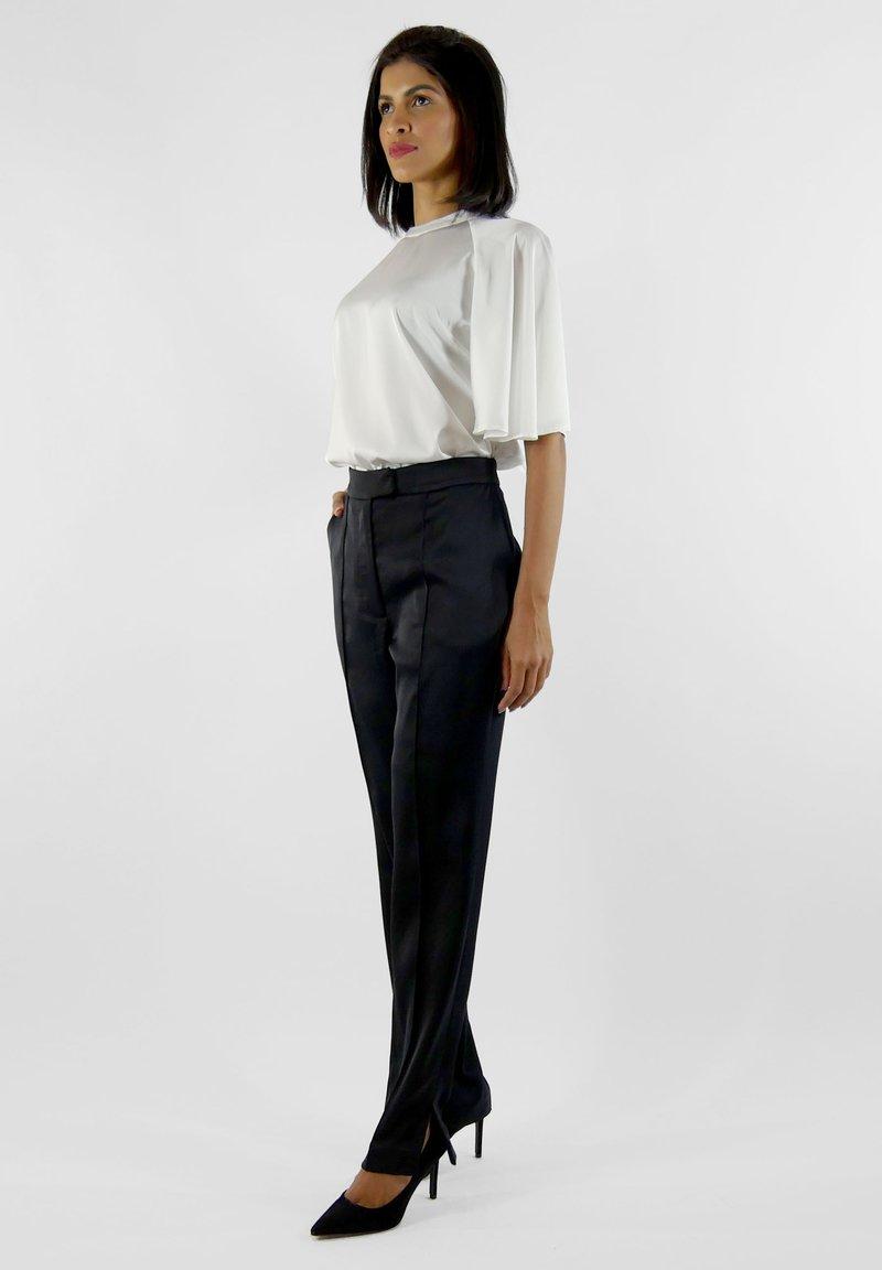 Aline Celi - CELI - Trousers - black
