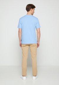 Calvin Klein - SUMMER CENTER LOGO - T-Shirt print - blue - 2