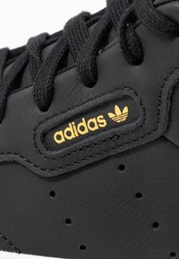 adidas Originals - SLEEK MID - Sneakers alte - core black/crystal white - 2