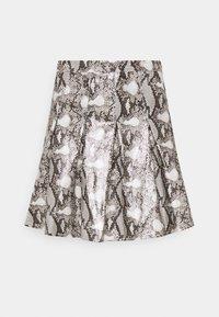 SNAKE PRINT PLEATED - Mini skirt - grey