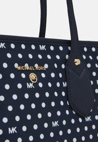 MICHAEL Michael Kors - EVA TOTE - Tote bag - navy - 4
