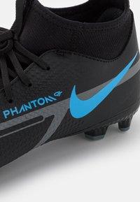 Nike Performance - JR PHANTOM GT2 ACADEMY DYNAMIC FIT FG/MG UNISEX - Astro turf trainers - black/iron grey - 5