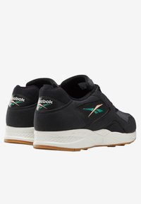 Reebok Classic - TORCH HEX SHOES - Trainers - black - 3