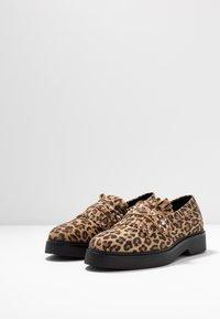 Shoe The Bear - BILLIE FRINGES - Mocassins - brown - 4