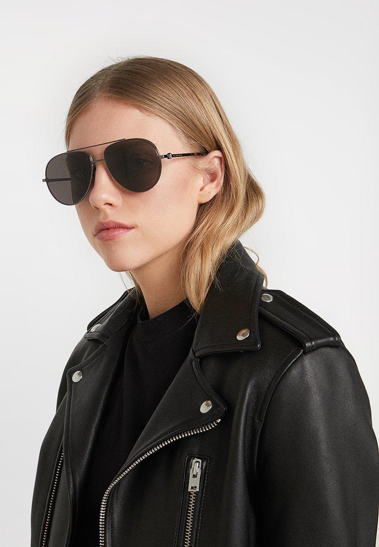 Alexander McQueen Solbriller - black/svart iStKQ7rI4MmeF0p
