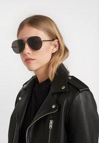 Alexander McQueen - Sunglasses - black - 3