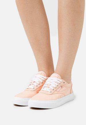 CLUB C COAST - Trainers - aura orange/footwear white