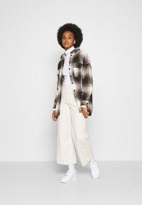 Noisy May - NMFLANNY CHECK  - Button-down blouse - birch/brown sugar/dark brown/black - 1