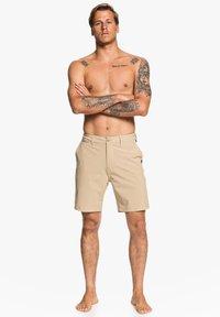 Quiksilver - UNION  - Swimming shorts - beige - 0