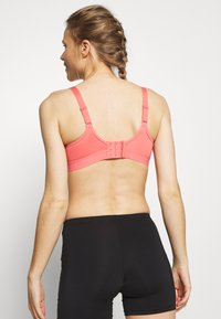 Shock Absorber - ACTIVE SHAPED SUPPORT - High support sports bra - grapefruit/dunkelblau - 2
