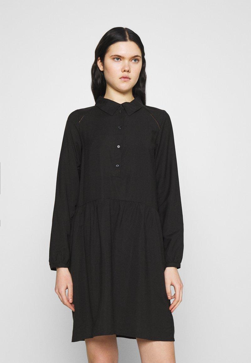 Vero Moda - VMFAY TUNIC DRESS - Košilové šaty - black
