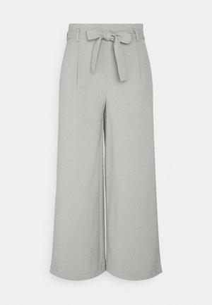 ONLHERO LIFE CULOTTE - Trousers - shadow