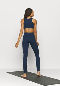 South Beach - SEAMLESS HIGH WAIST LEGGING - Tights - deep navy - 2