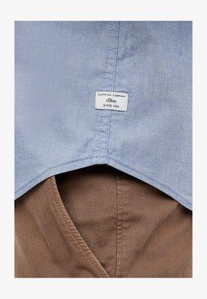 MIT MUSTERSTRUKTUR - Shirt - light blue