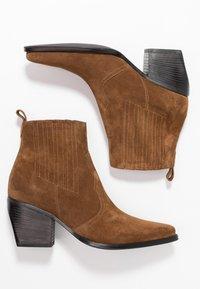 Kennel + Schmenger - LUNA - Ankle boots - bourbon/schwarz - 3