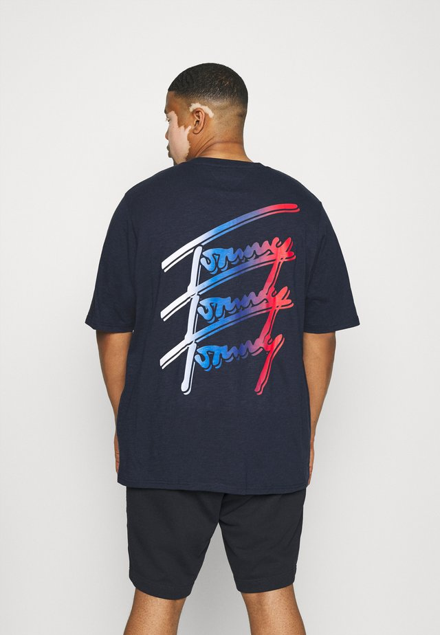 REPEAT SCRIPT TEE - T-shirts med print - twilight navy