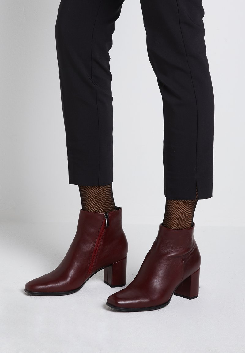 ECCO - SHAPE SQUARED - Ankle boot - red