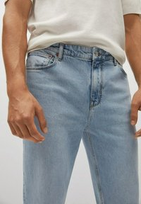 Mango - Relaxed fit jeans - hellblau - 4