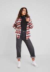 Levi's® - THE UTILITY - Button-down blouse - sandshell - 1