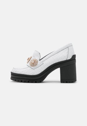 YASRENNA OXFORD HEELS - Platform heels - cloud dancer