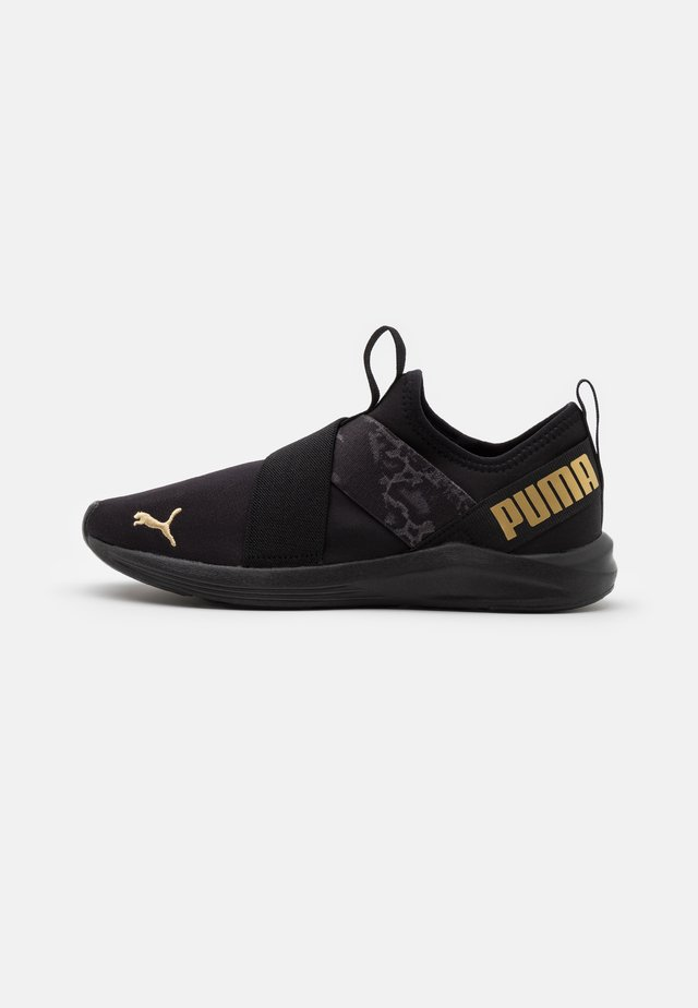 PROWL SLIP ON ANIMAL - Chaussures de running neutres - black/metallic silver