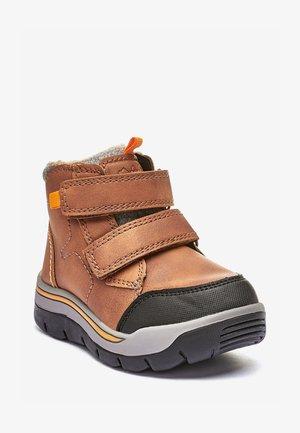 Zimní obuv - tan