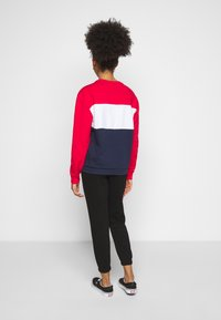Fila Petite - LEAH CREW - Sweatshirts - black iris/true red/bright white - 2
