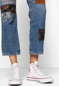 Free People - POPPY PATCH - Bootcut jeans - blue - 4