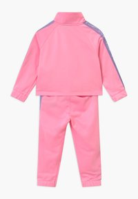 Nike Sportswear - COLORSHIFT TAPING TRICOT SET - Træningssæt - pink - 1