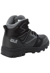 Jack Wolfskin - DOWNHILL TEXAPORE - Hiking shoes - black / grey - 2